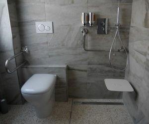 Puglia villa bathroom